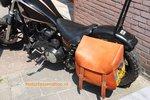 Harley Davidson Custom met Chopper-Hardframe tas, cognac nerfleder, P6100
