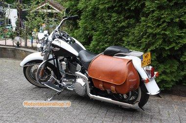 Harley Davidson Softail met Bigbag, cognac, 40L, J5901c